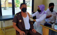 Seluruh Jajaran Pegawai Kejari Muba Ikuti Vaksinasi Covid-19