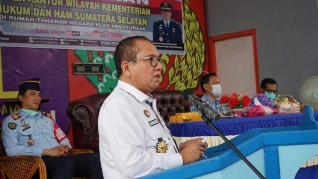 Kakanwil Kemenkumham Sumsel (Indro Purwoko) saat memberikan penguatan Petugas Rutan Baturaja