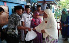 Sambut Ramadhan, Asosiasi MC Desa Toman Bagikan Paket Sembako dan Uang Tunai